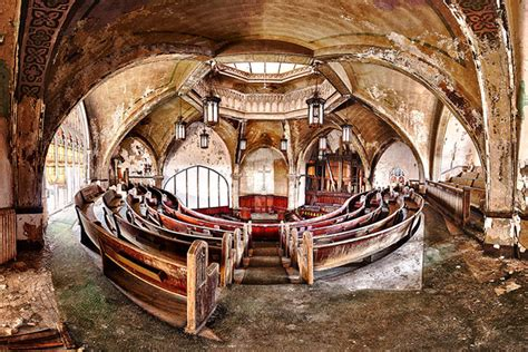 15 Stunningly Beautiful Abandoned Buildings in America