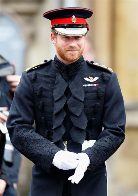 prince-harry-uniform - OneApps