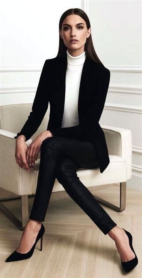 Professional Work Outfits For Women Ideas 19 #