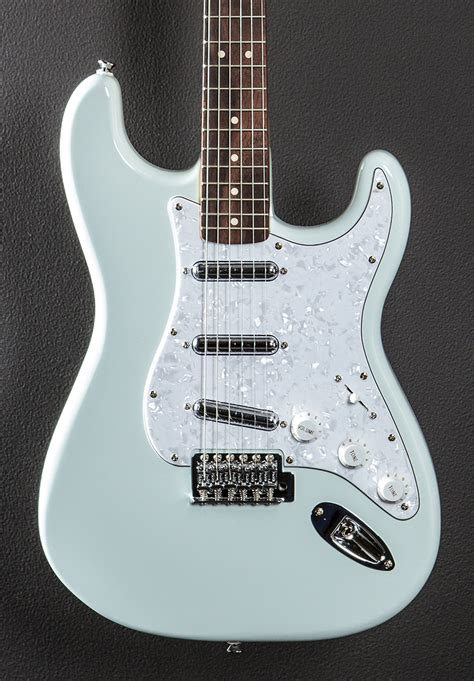 Squier Vintage Modified Surf Stratocaster - Sonic Blue