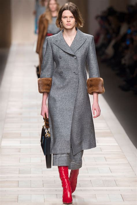 Fendi Fall 2017 Ready-to-Wear Collection - Vogue