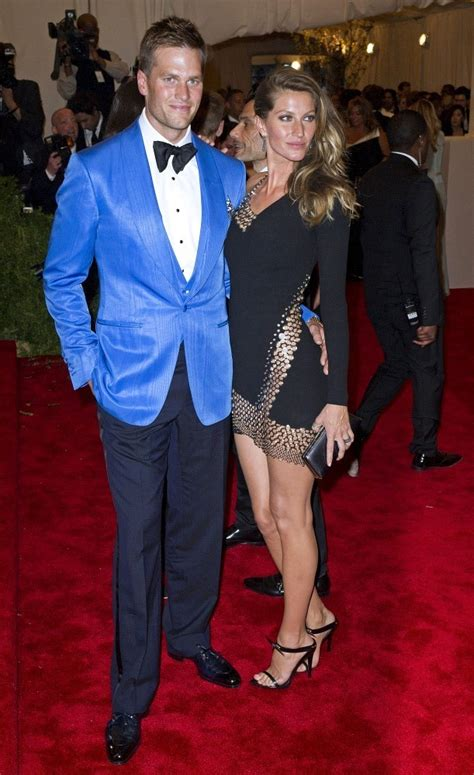 Gisele Bundchen Photos - Arrivals at the Met Gala in NYC