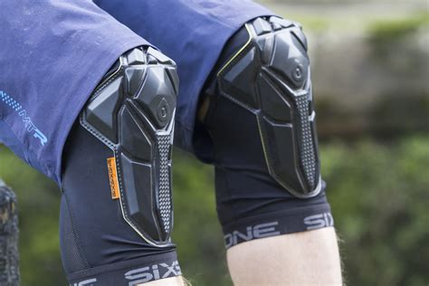 Review: 661 Recon Knee Pads - Singletrack Magazine