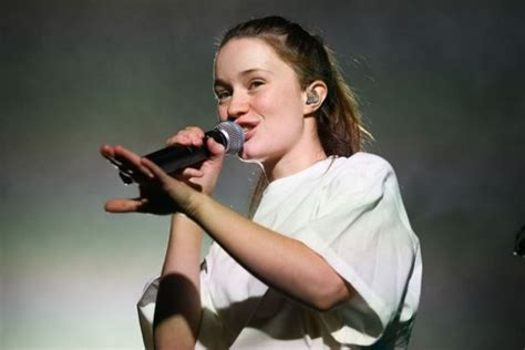 Review: Sigrid at the Albert Hall - Denise Evans