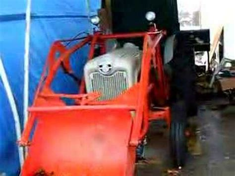 1956 Ford 640 Tractor w/Wagner loader - YouTube