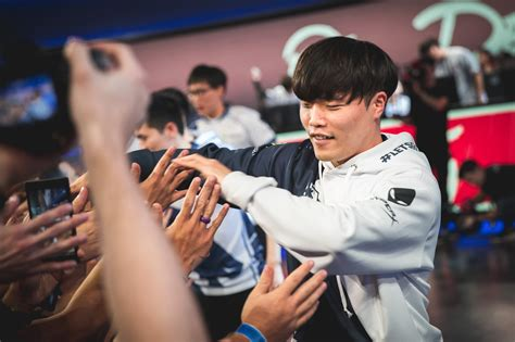 Liquid finally escapes its history to make Worlds | Dot