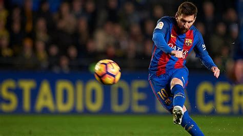 Messi rescues point for Barca with late free-kick | : The