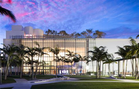 Frank Gehry's Home for New World Symphony - Review - The