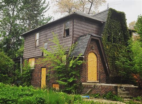Detroit Doesn't Have to Demolish Nearly as Many Homes as