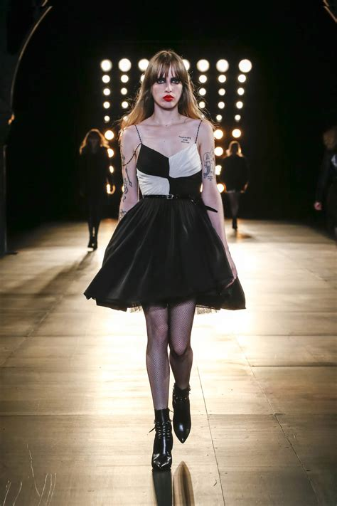 SAINT LAURENT FALL WINTER 2015-16 WOMEN'S COLLECTION | The