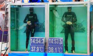 Free diver breaks world record by holding his breath